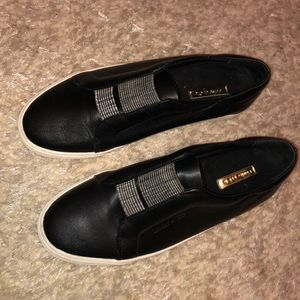 Louise et Cie casual sneakers size 10